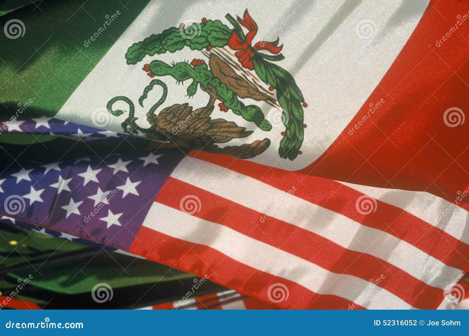 Cinco de Mayo, un día de fiesta mexicano/americano, en la calle de Olvera, Los Ángeles, CA