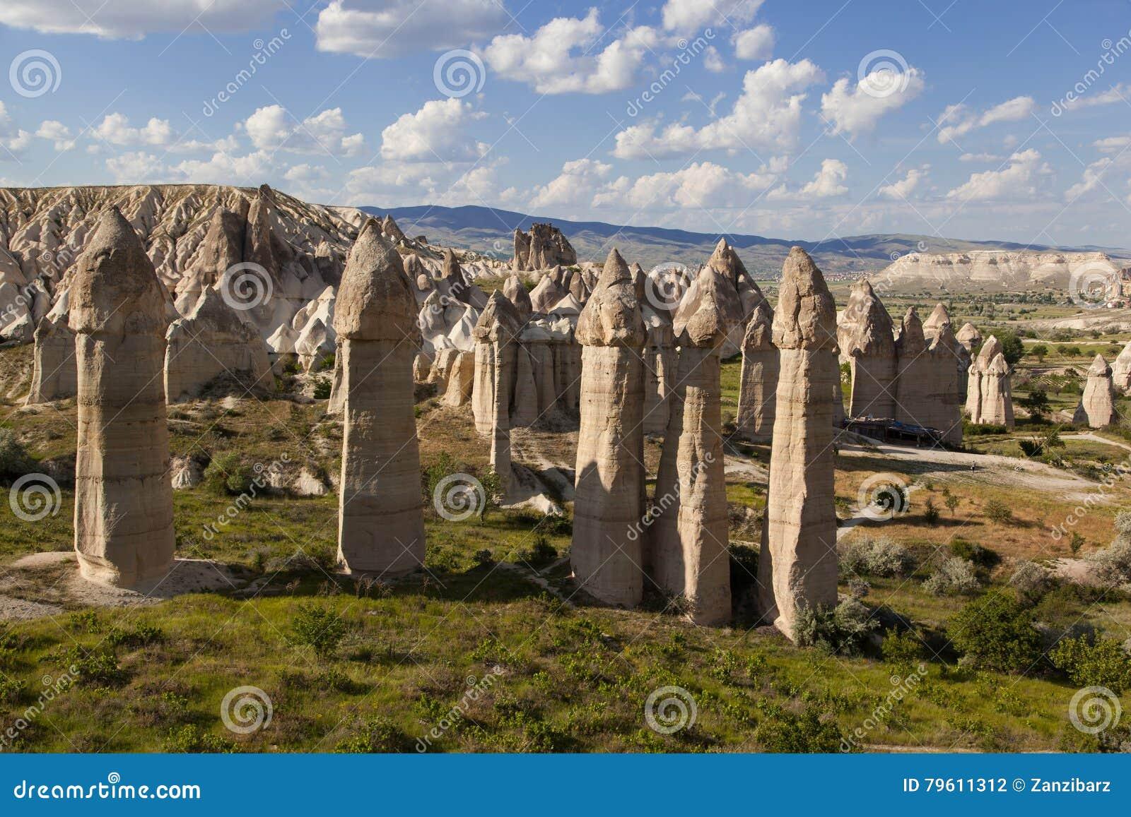 Cinco formações de rocha pré-históricas em Cappadocia