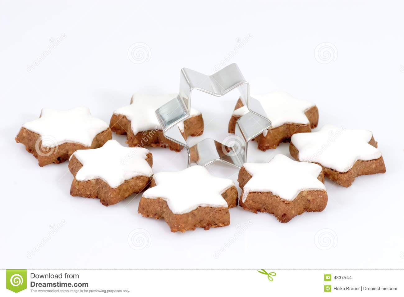 Cinnamon Cookies With Cutter