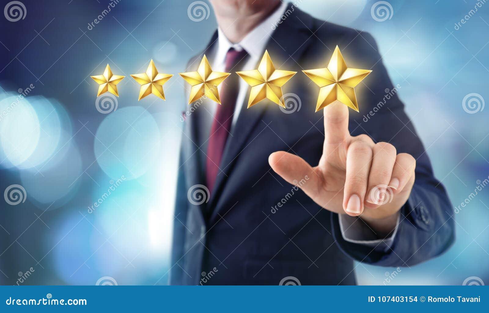 Cinq étoiles évaluant - rétroaction de satisfaction