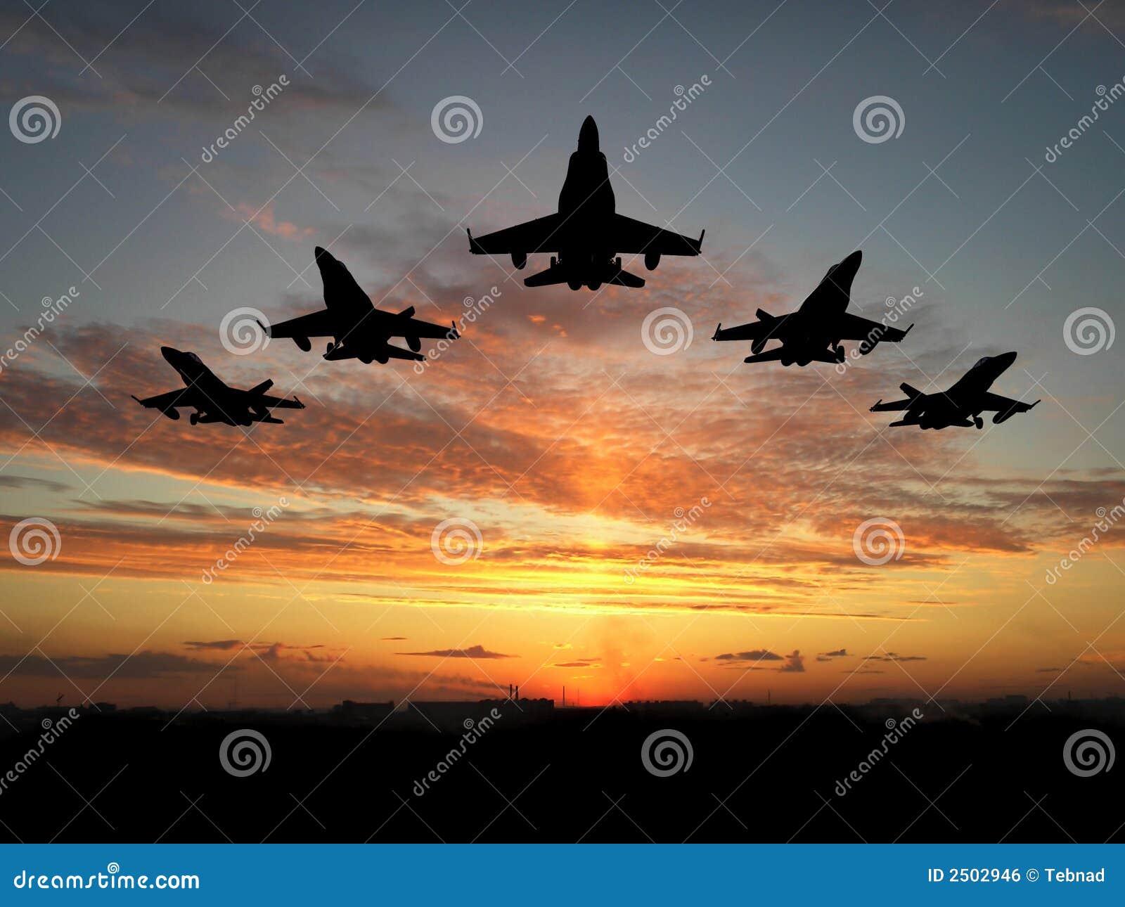 Cinq avions