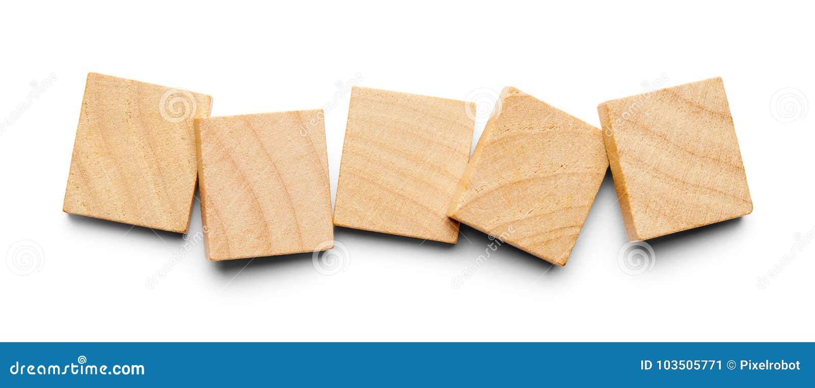 Cinq tuiles en bois