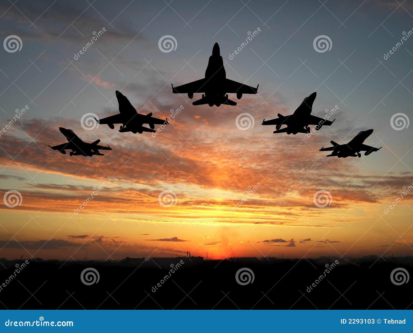 Cinque aeroplani