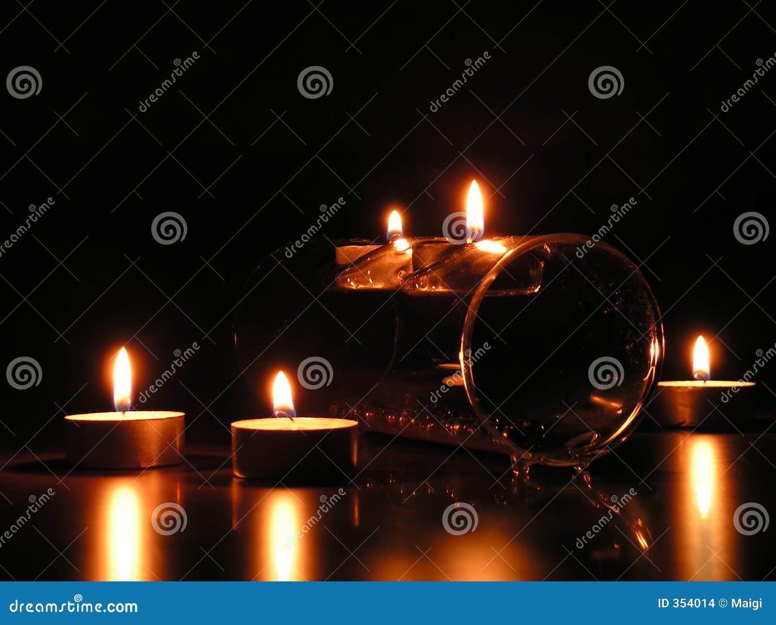 Cinque candele: umore romantico