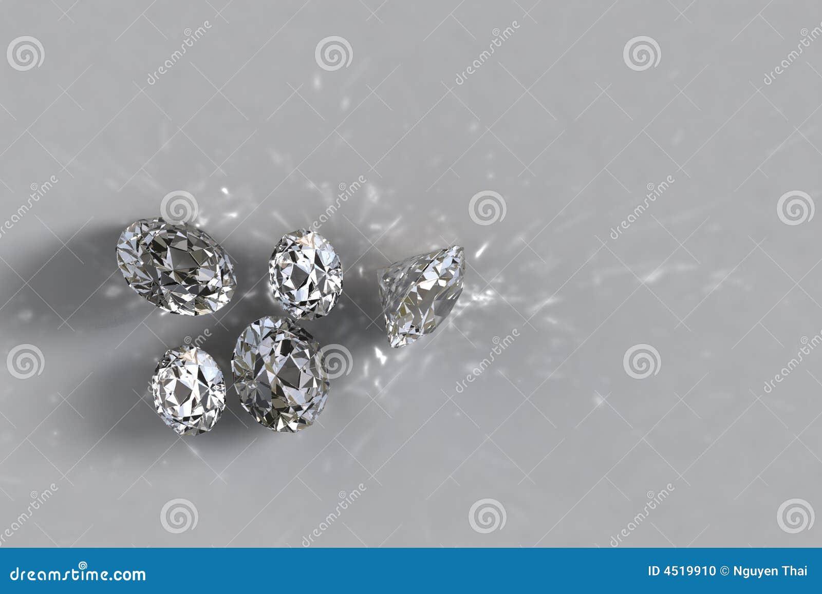 Cinque diamanti non montati