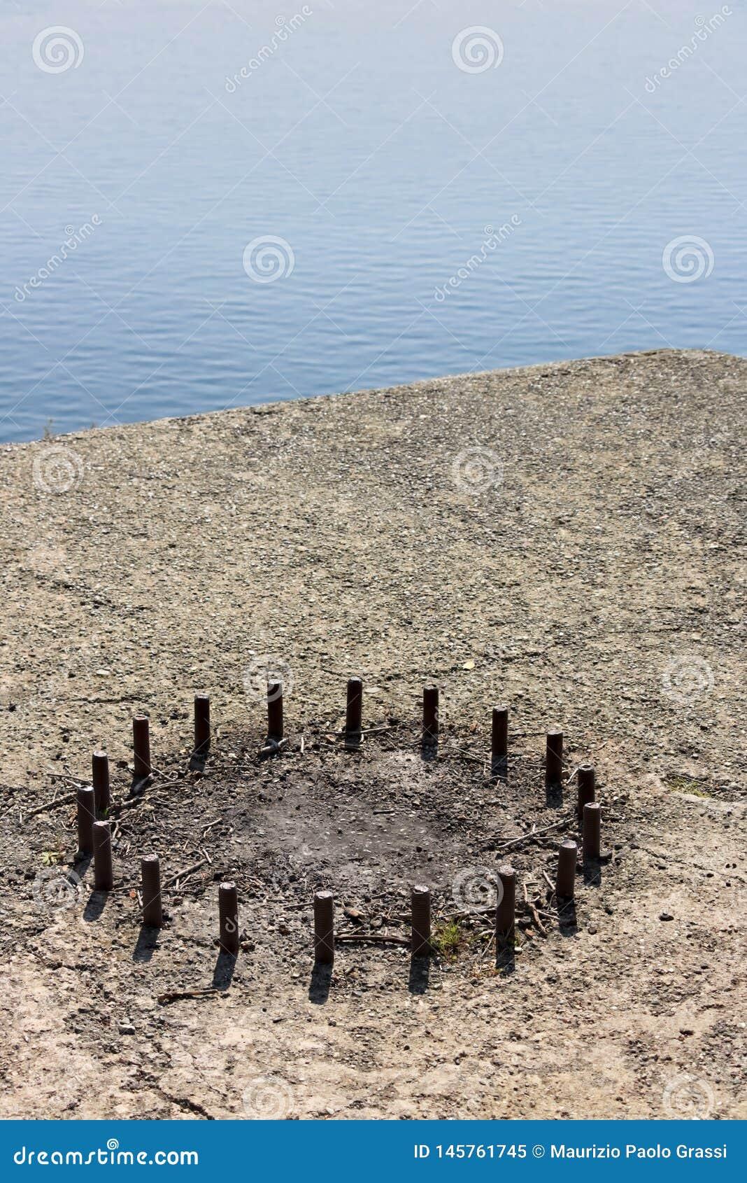 Cinque Terre, Лигурия, Италия Остатки основания карамболя