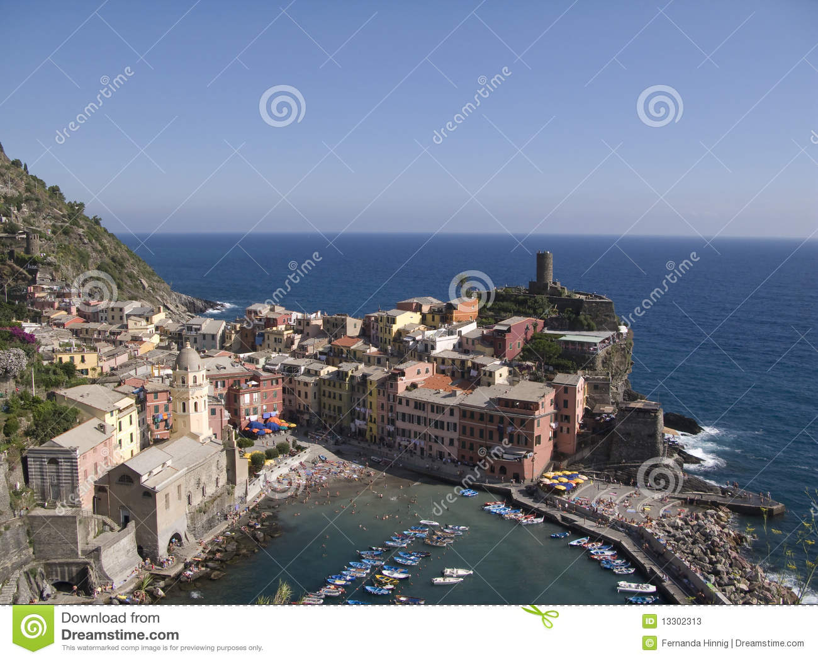 Cinque Terre, Vernazza, paesaggio urbano e mare ligure