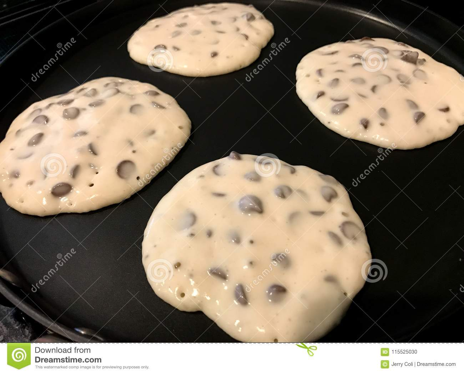 Cioccolato Chip Pancakes sulla piastra