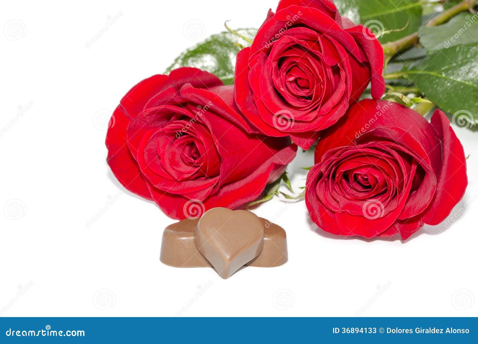 Download Cioccolato e rose immagine stock. Immagine di regalo - 36894133