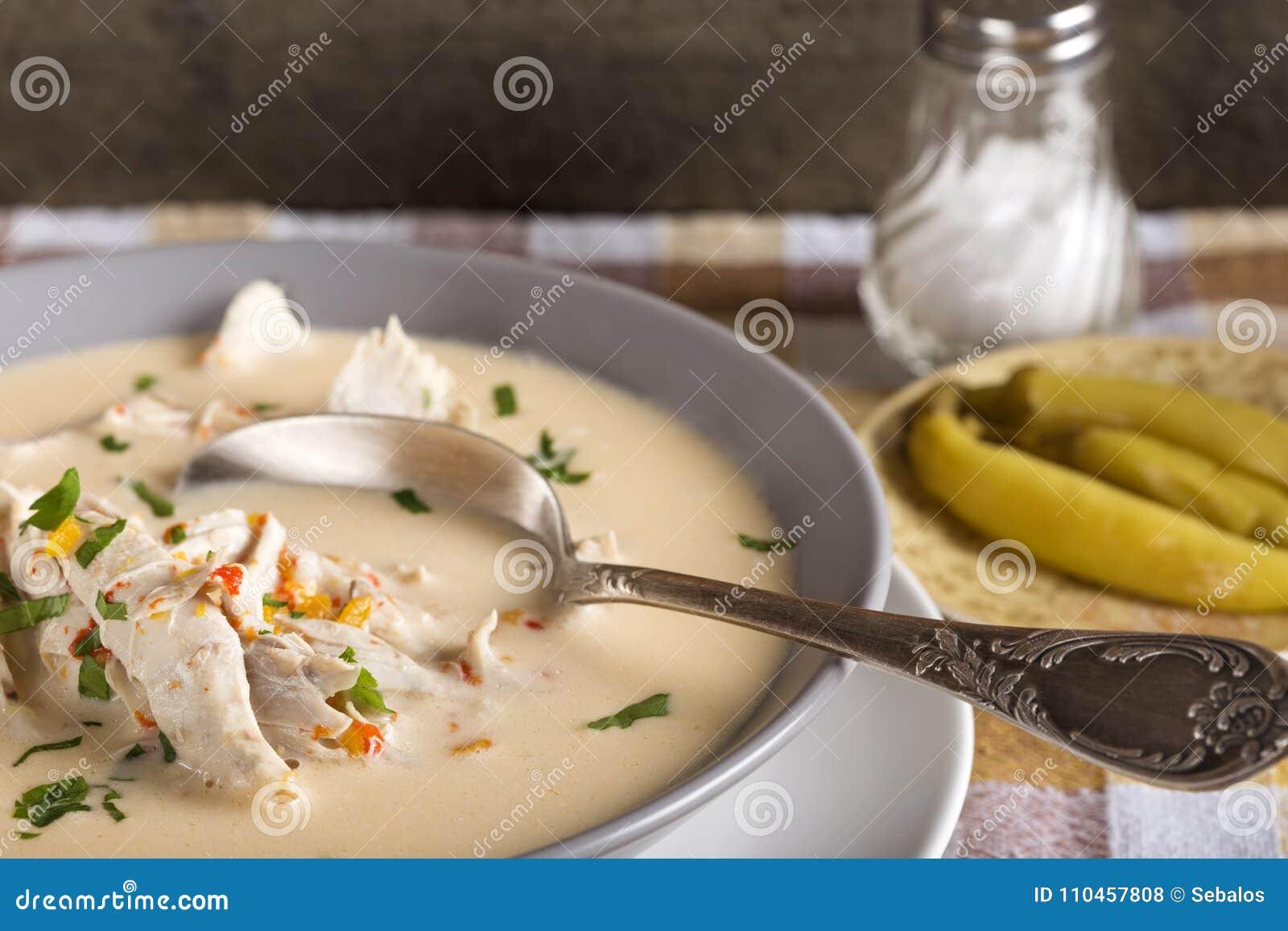 Ciorba Radauteana, traditionell rumänsk soppa