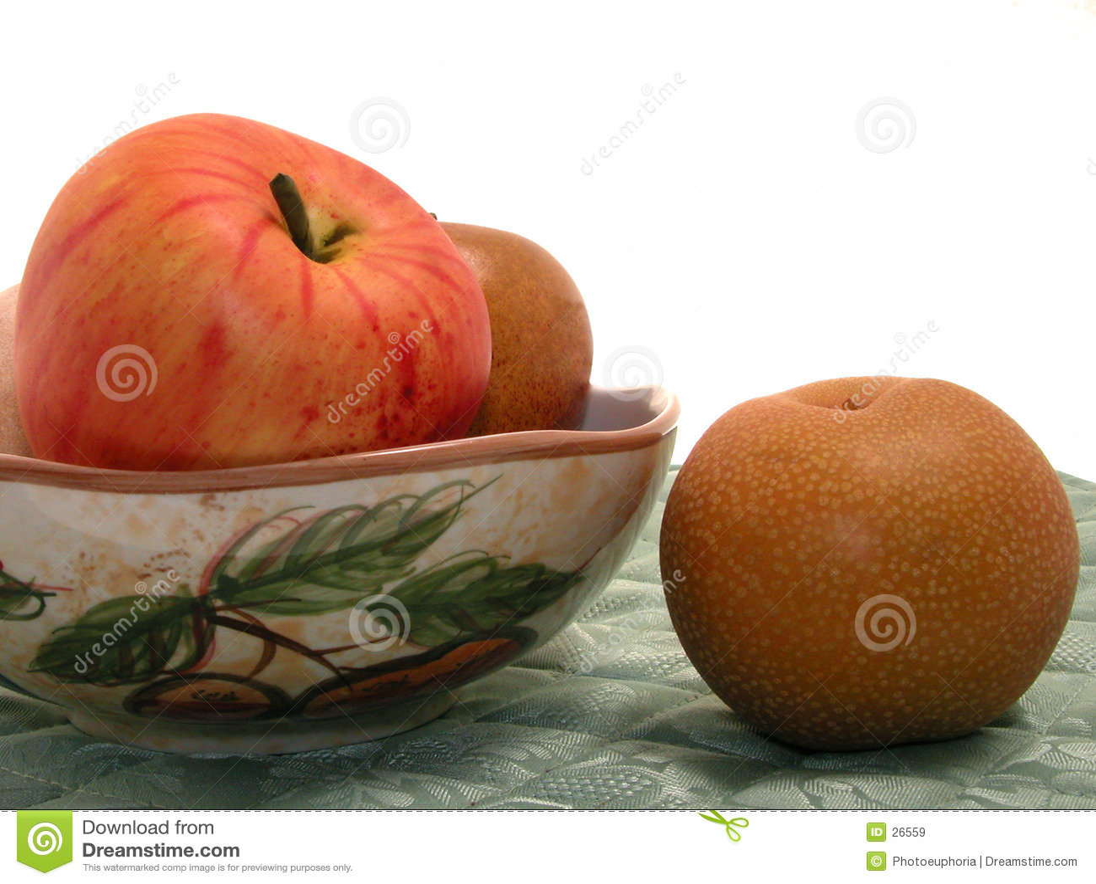 Ciotola asiatica di frutta & della pera su Placemat
