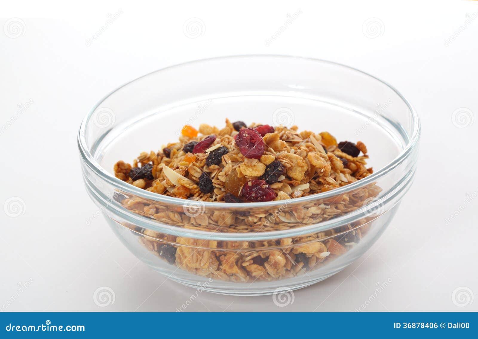 Download Ciotola di granola fotografia stock. Immagine di caloria - 36878406