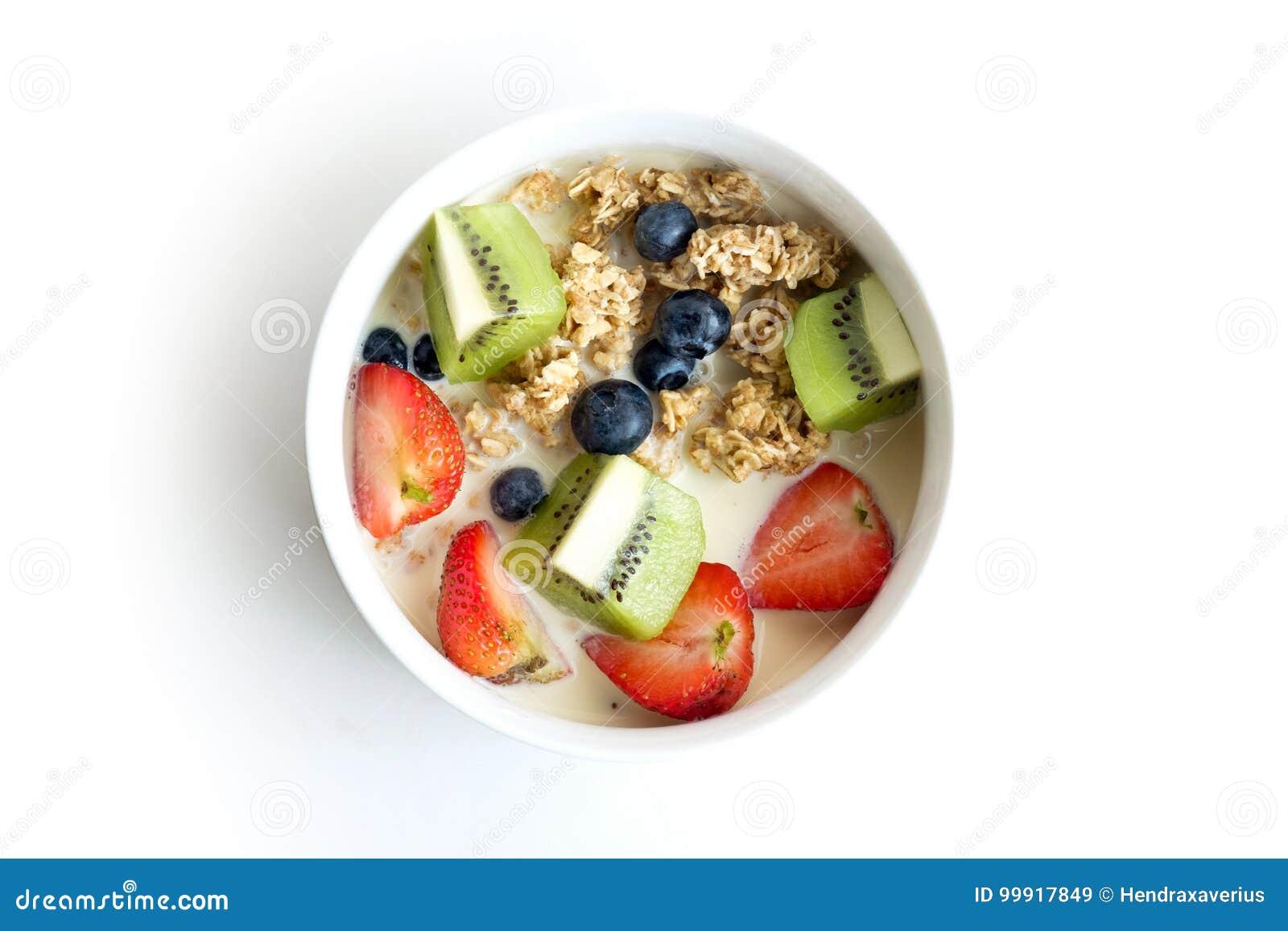 Ciotola di Granola con la frutta fresca