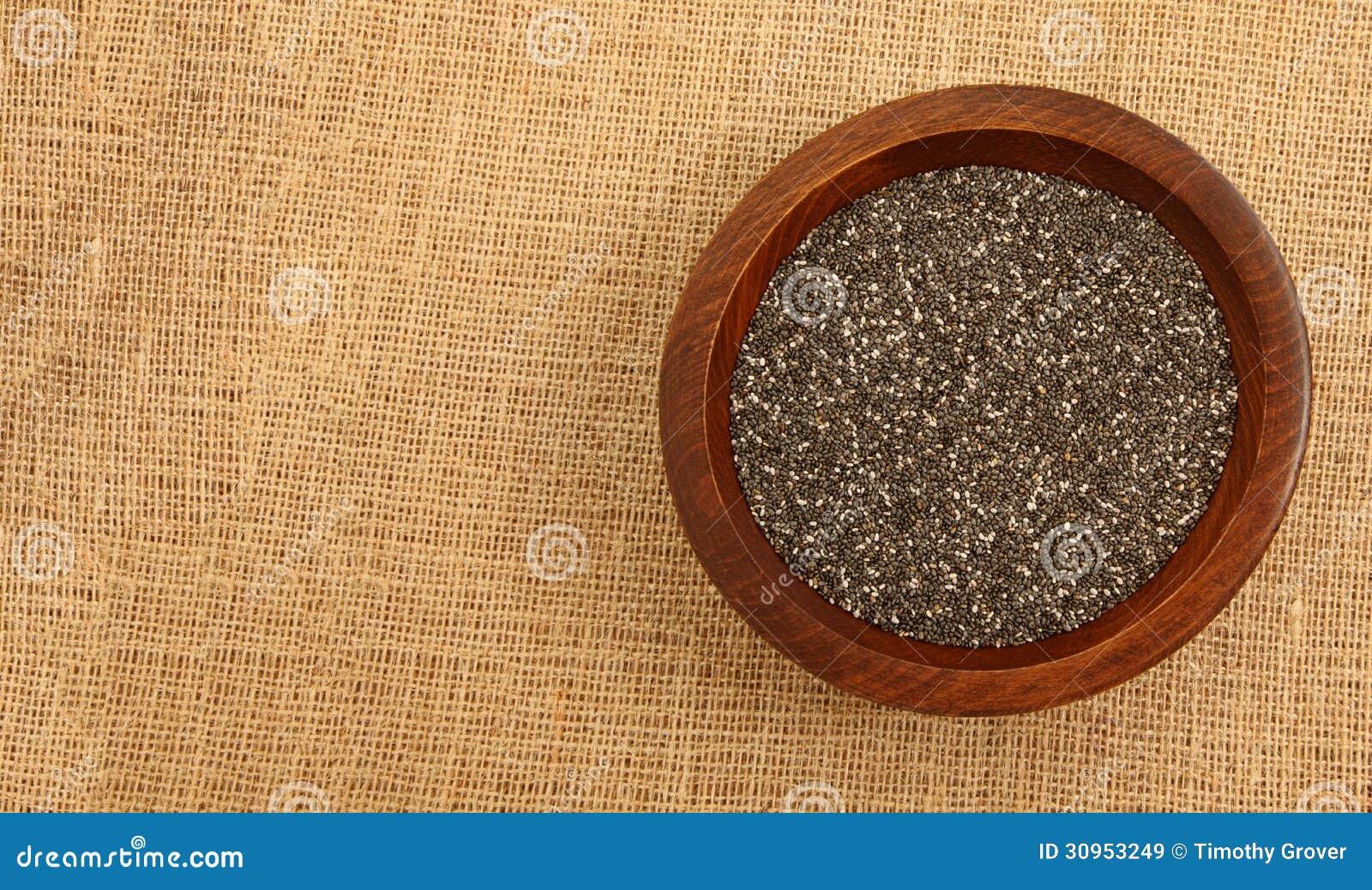 Ciotola di legno con Chia Seeds