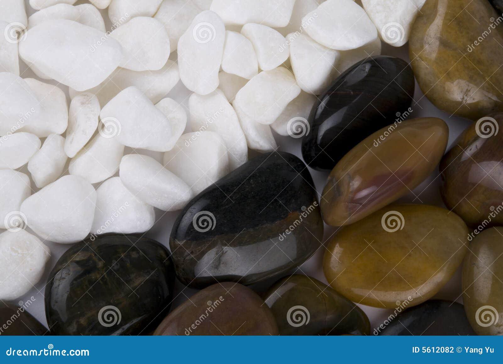 Ciottoli bianchi rocce lucidate fotografia stock for Ciottoli bianchi