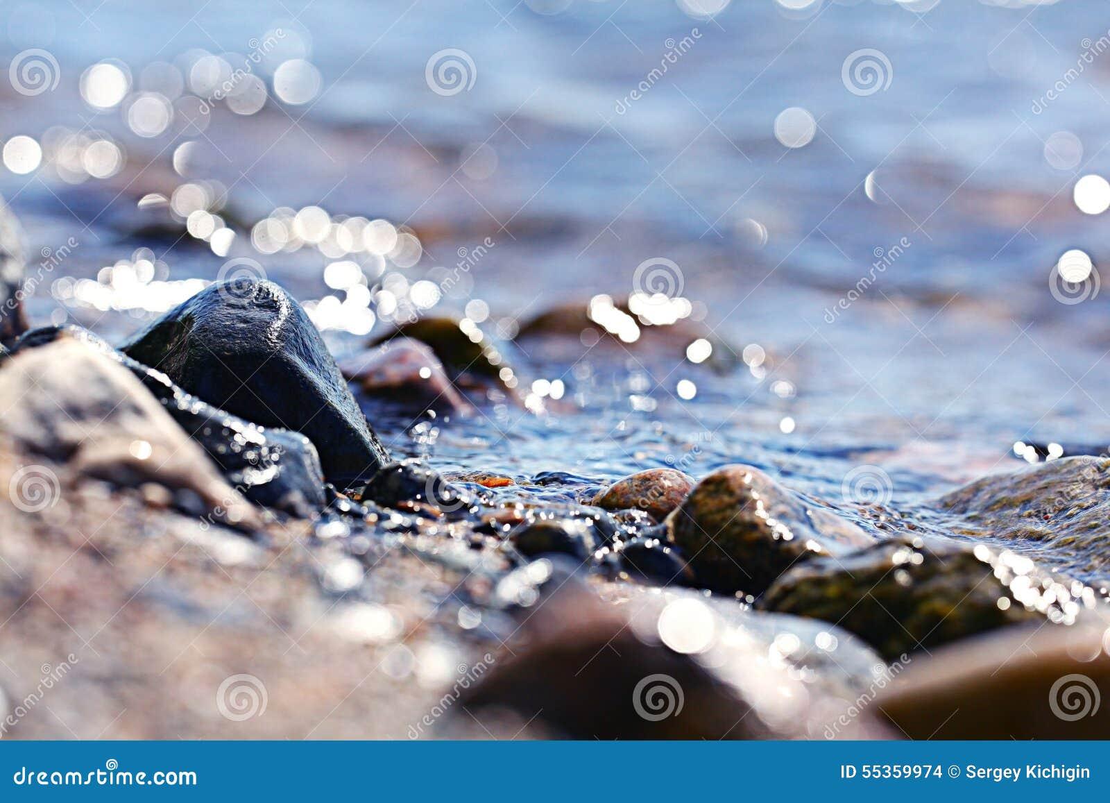 Ciottoli dei ciottoli sulla spiaggia