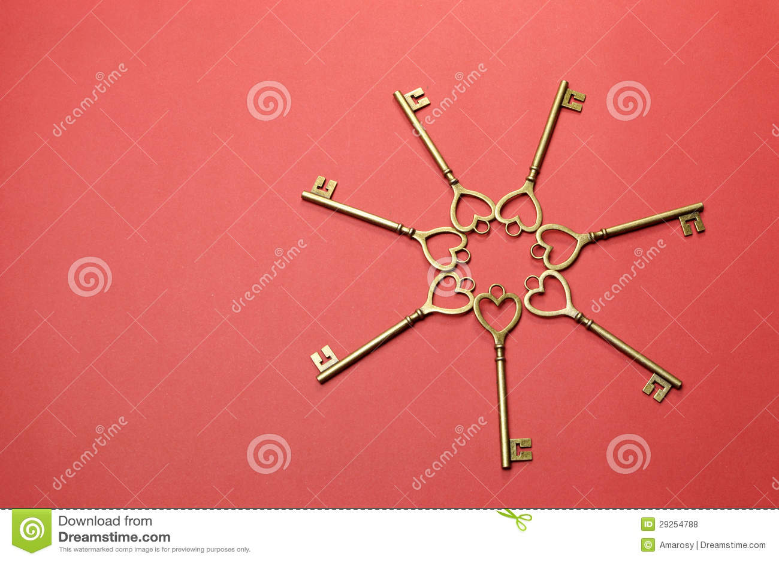 Circle of heart shape gold keys - horizontal.