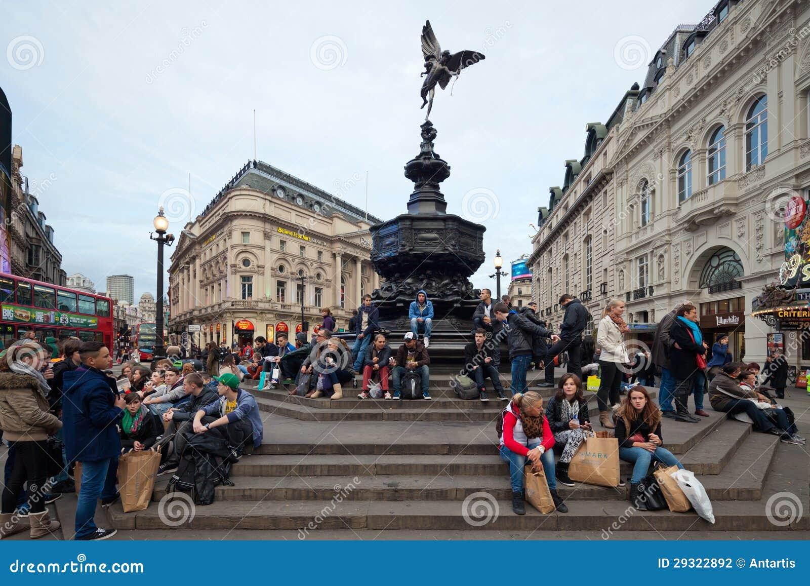 Circo de Piccadilly em Londres. Fonte memorável com Anteros
