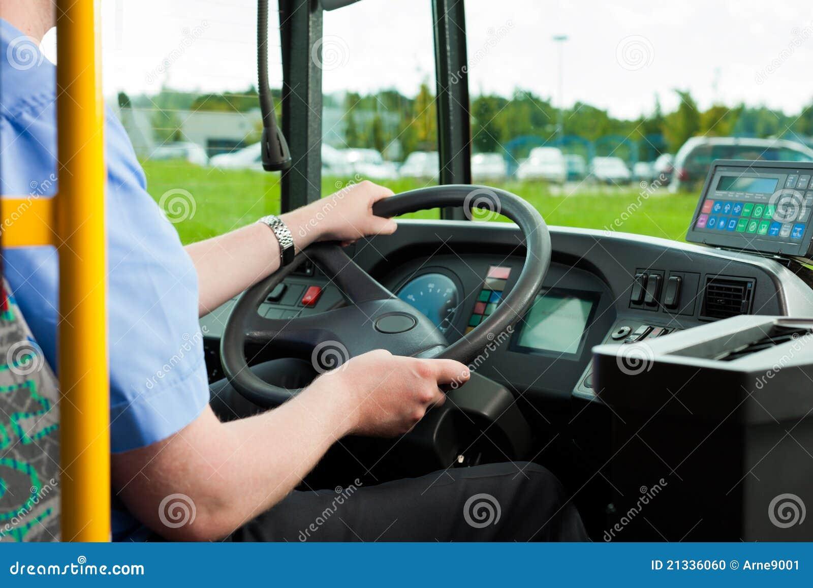 Circuit de commande se reposant dans son bus