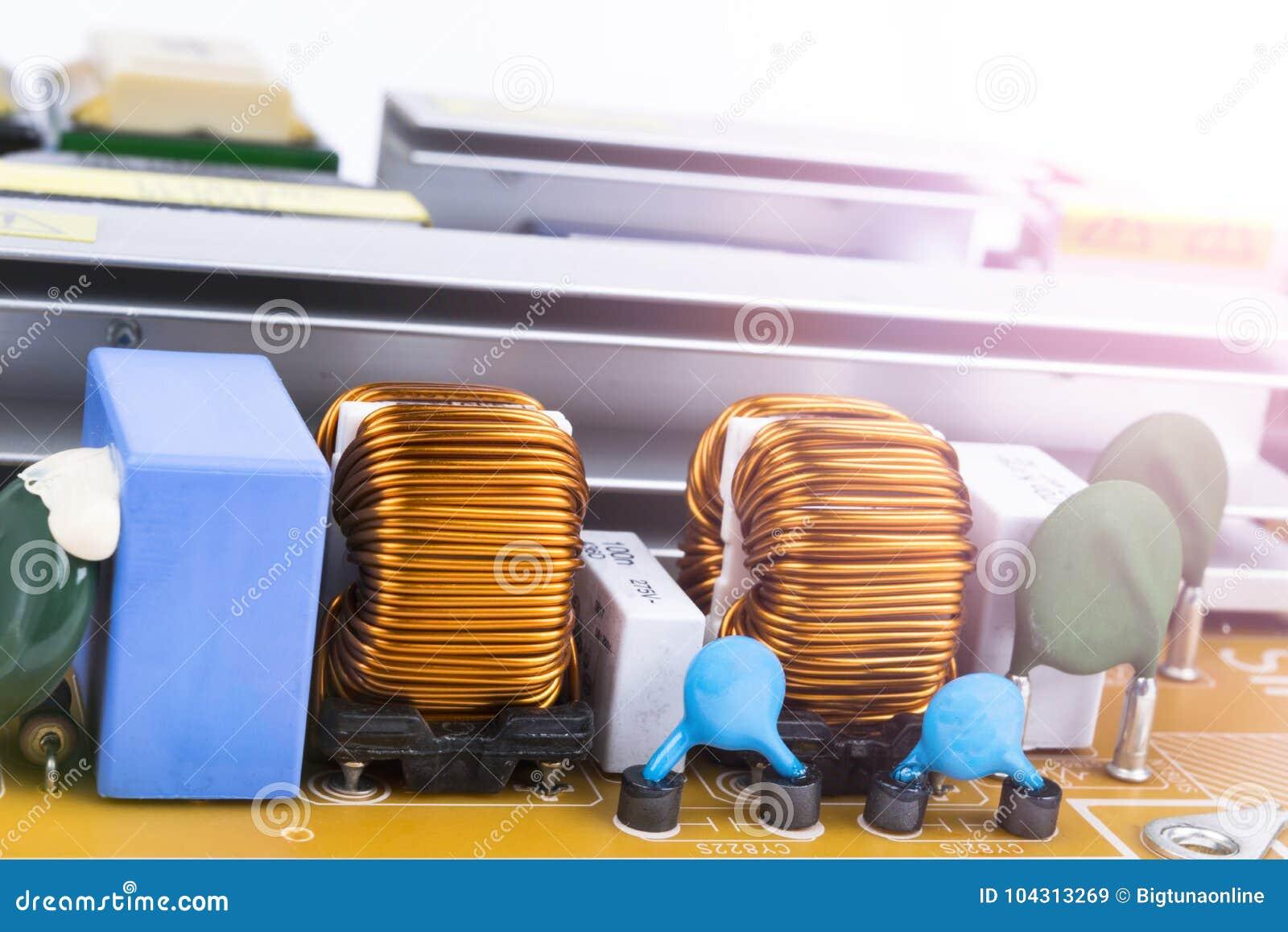 Circuitboard avec des résistances, des puces et des composants électroniques Technologie de matériel informatique électronique Co