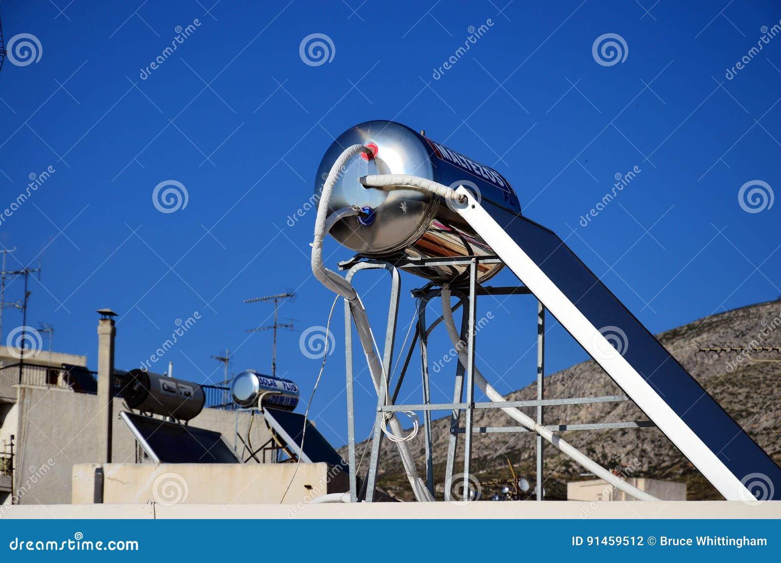 Circuito de agua caliente solar en tejado