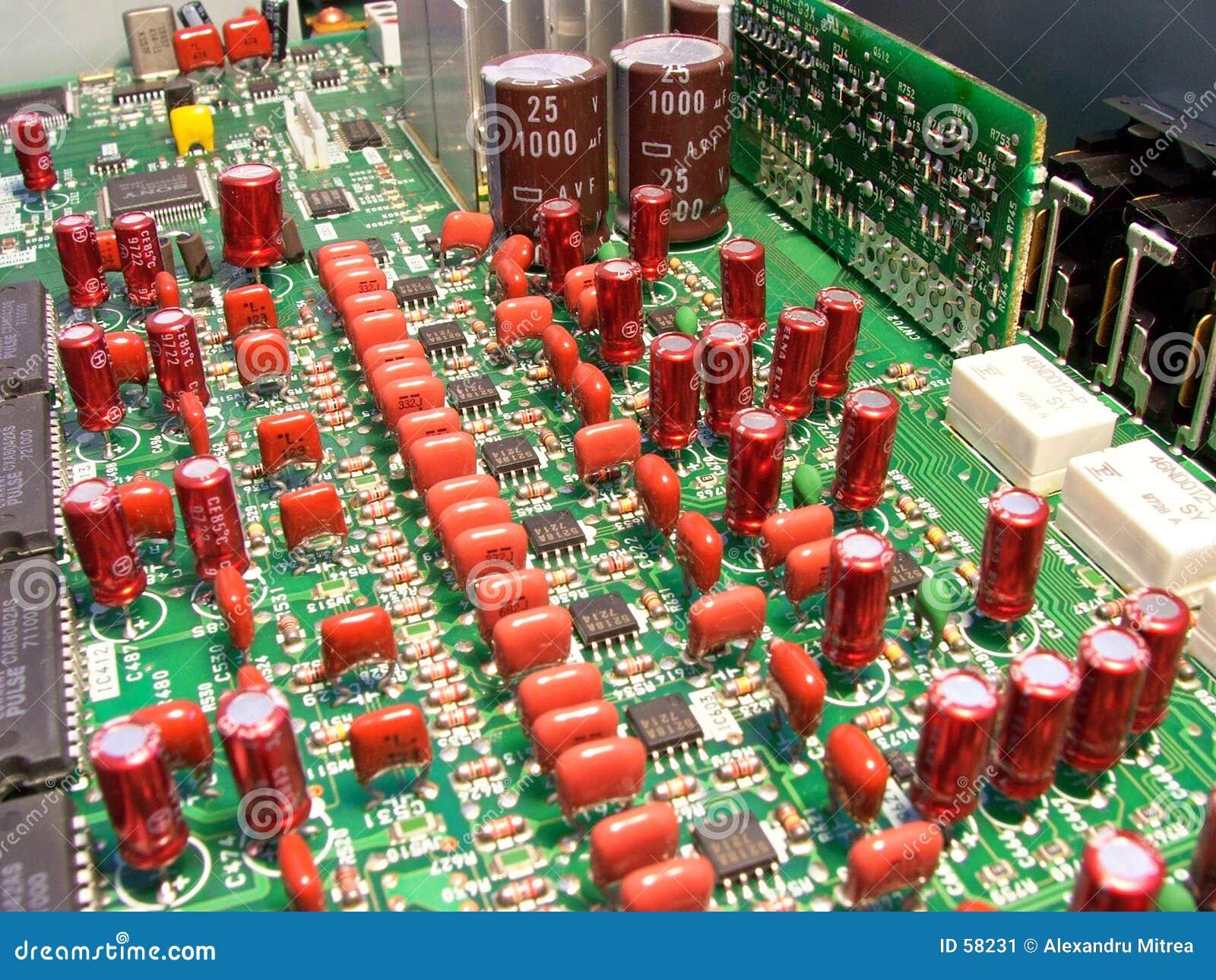Circuits elektroniskt