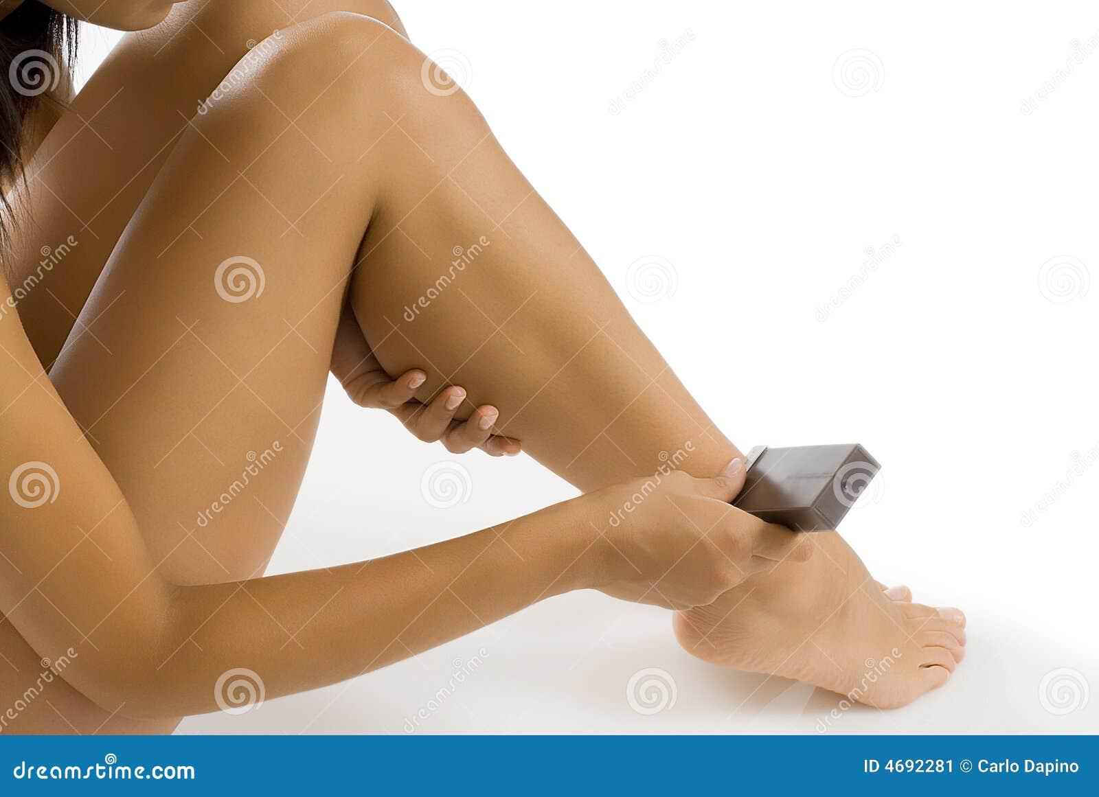 Cire dépilatoire sur des pattes