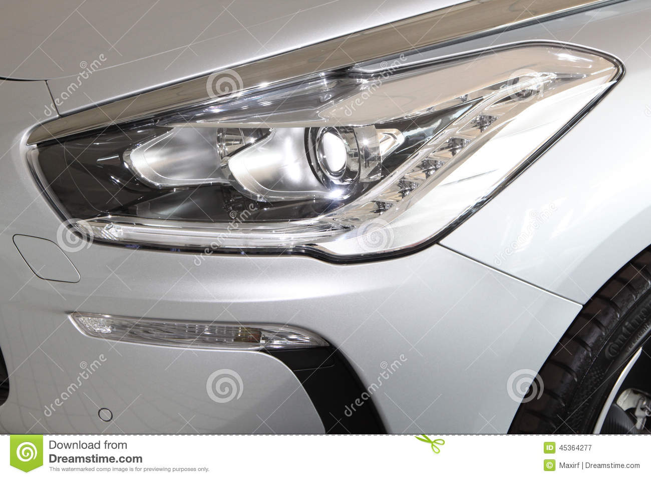 Citroà « n DS5 Front Lights