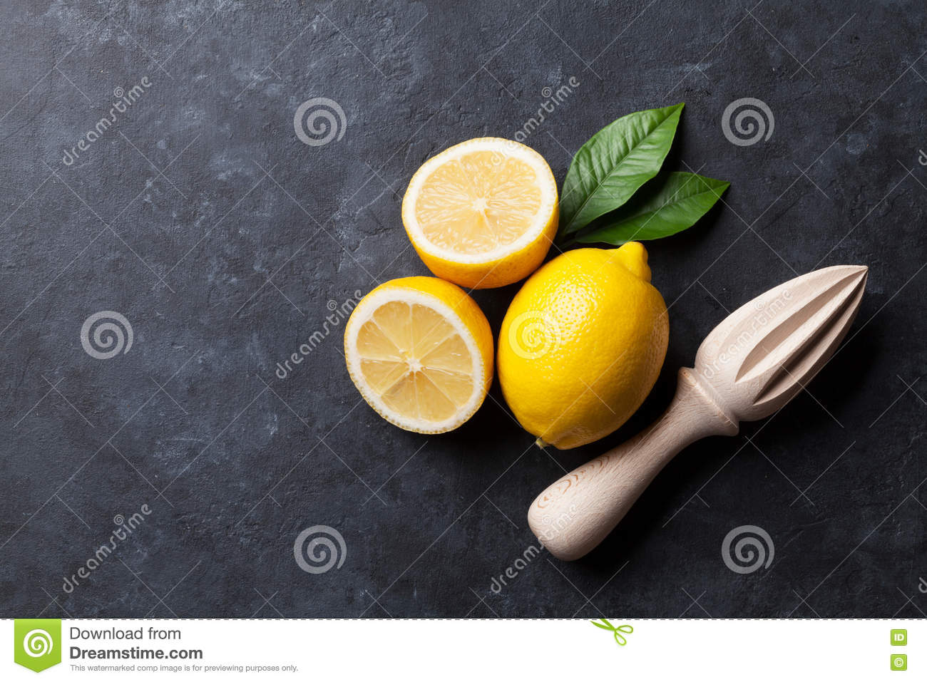 Citrons et presse-fruits