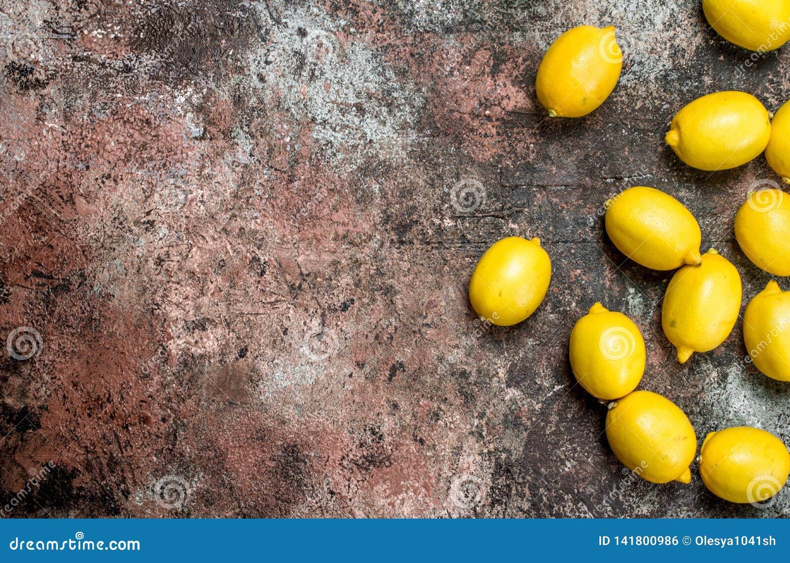 Citrons juteux frais