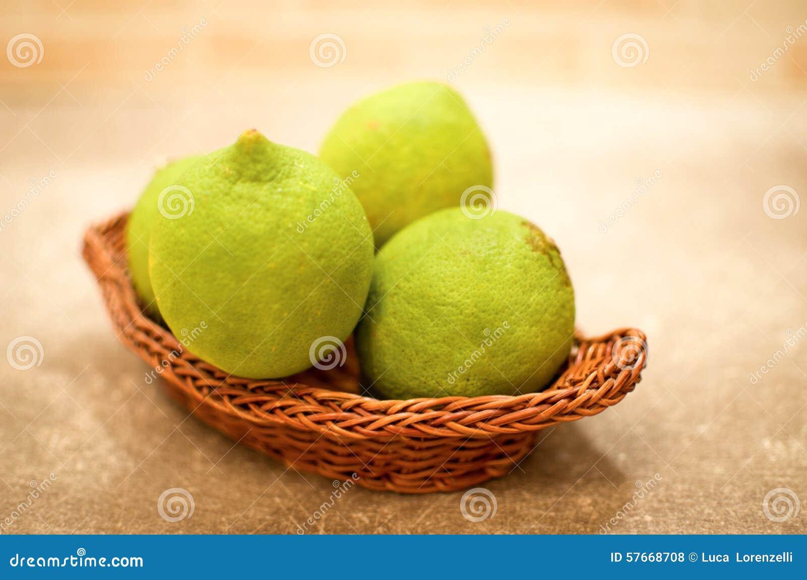 Citrons non mûrs