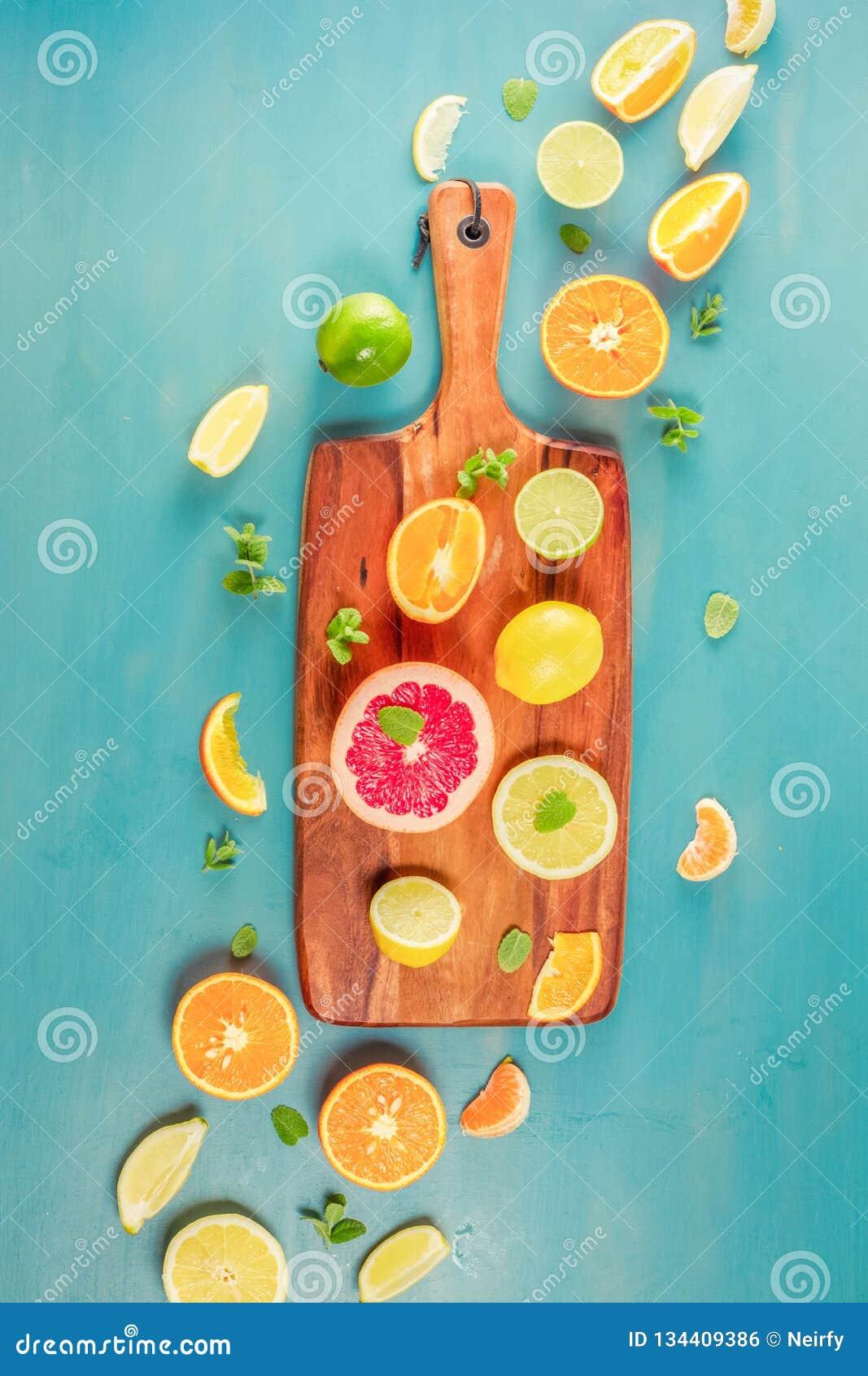 Citrus modell på blått