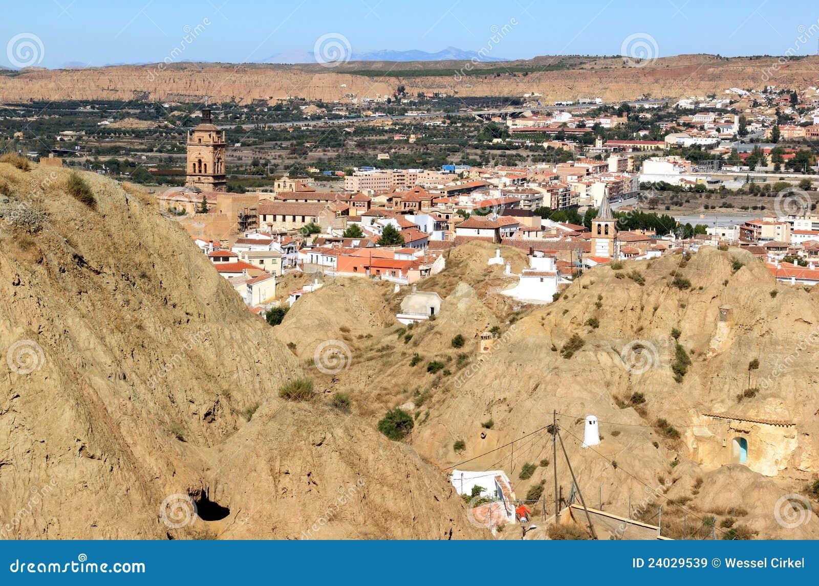 Citt andalusa guadix e le sue case della caverna spagna for Case mediterranee della california