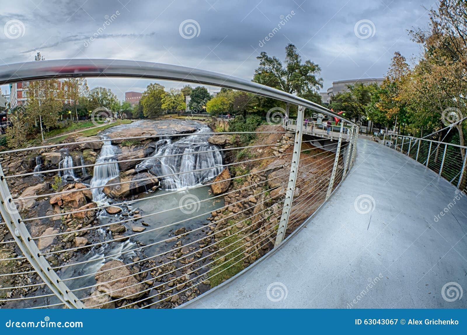 Città di Greenville Carolina del Sud intorno al parco di cadute