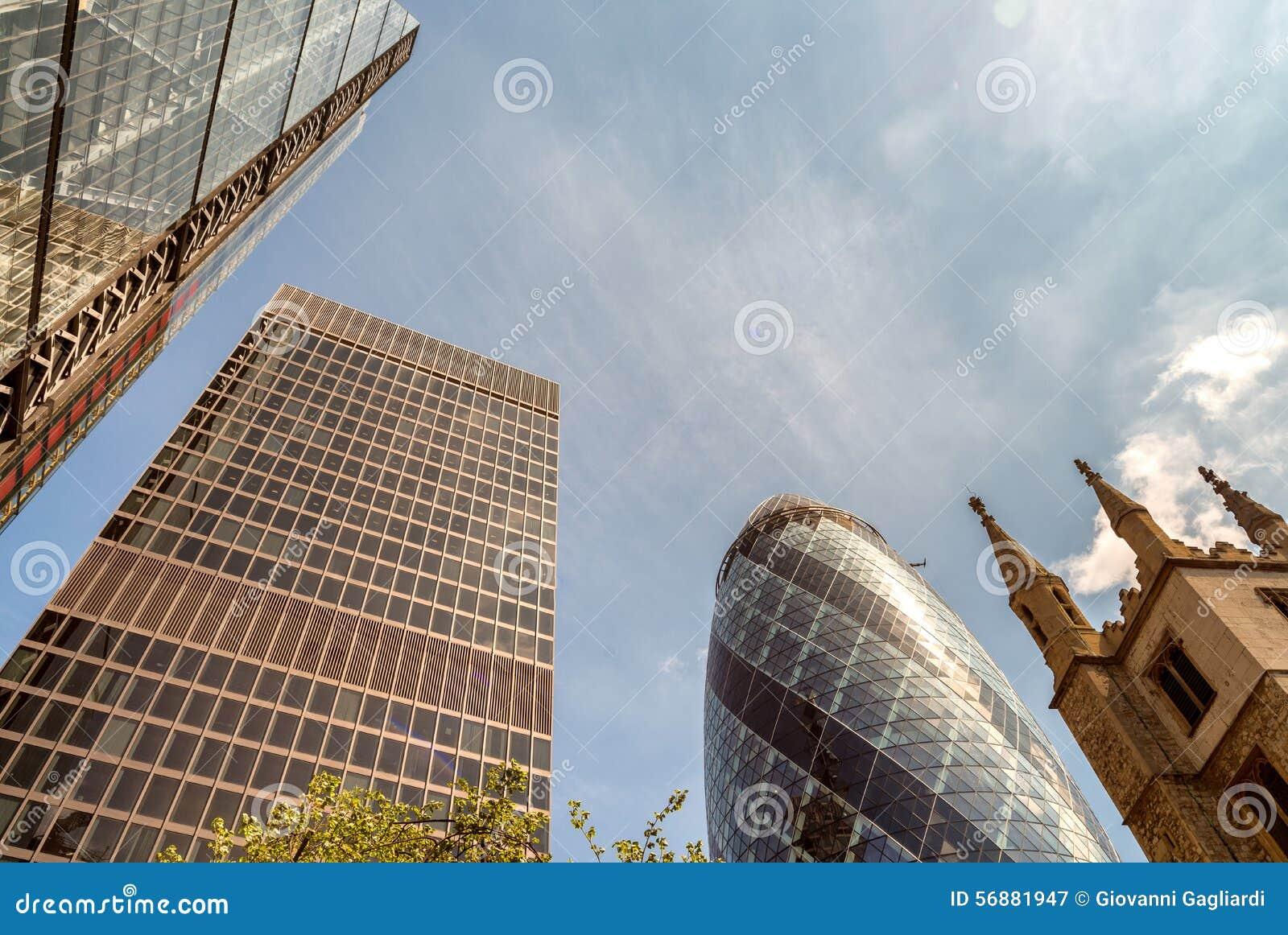 Città di Londra Orizzonte un bello giorno di estate