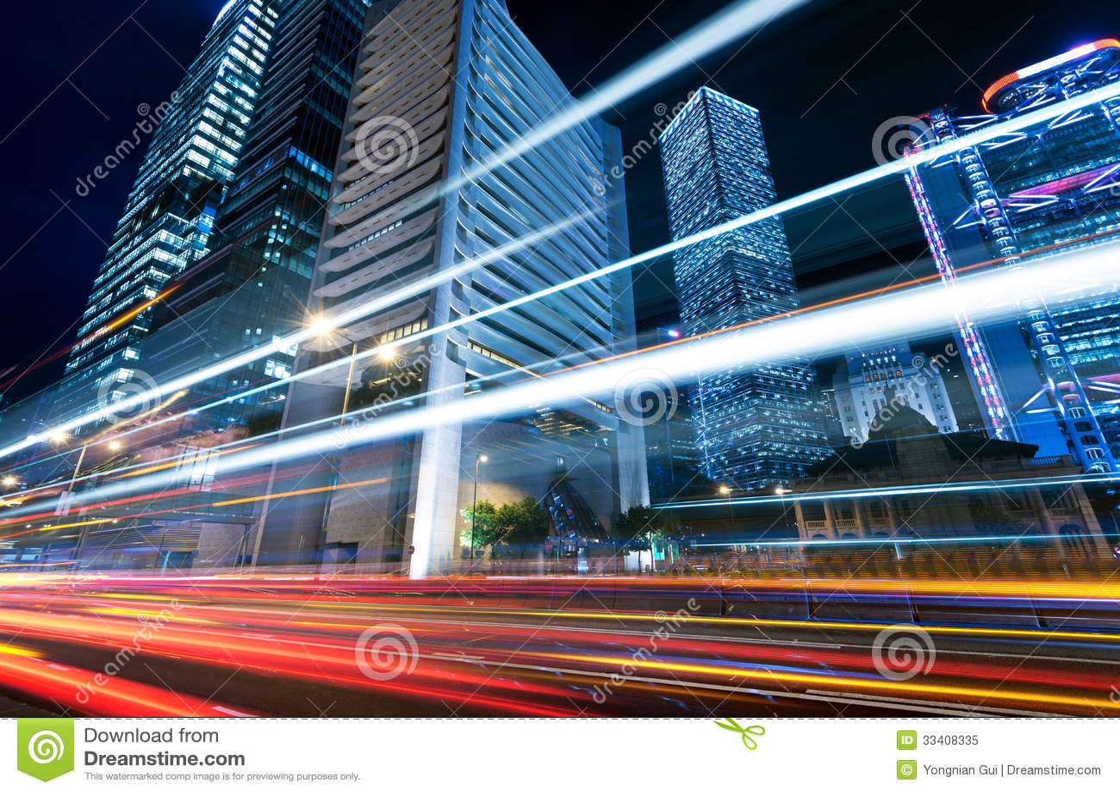 Città moderna alla notte