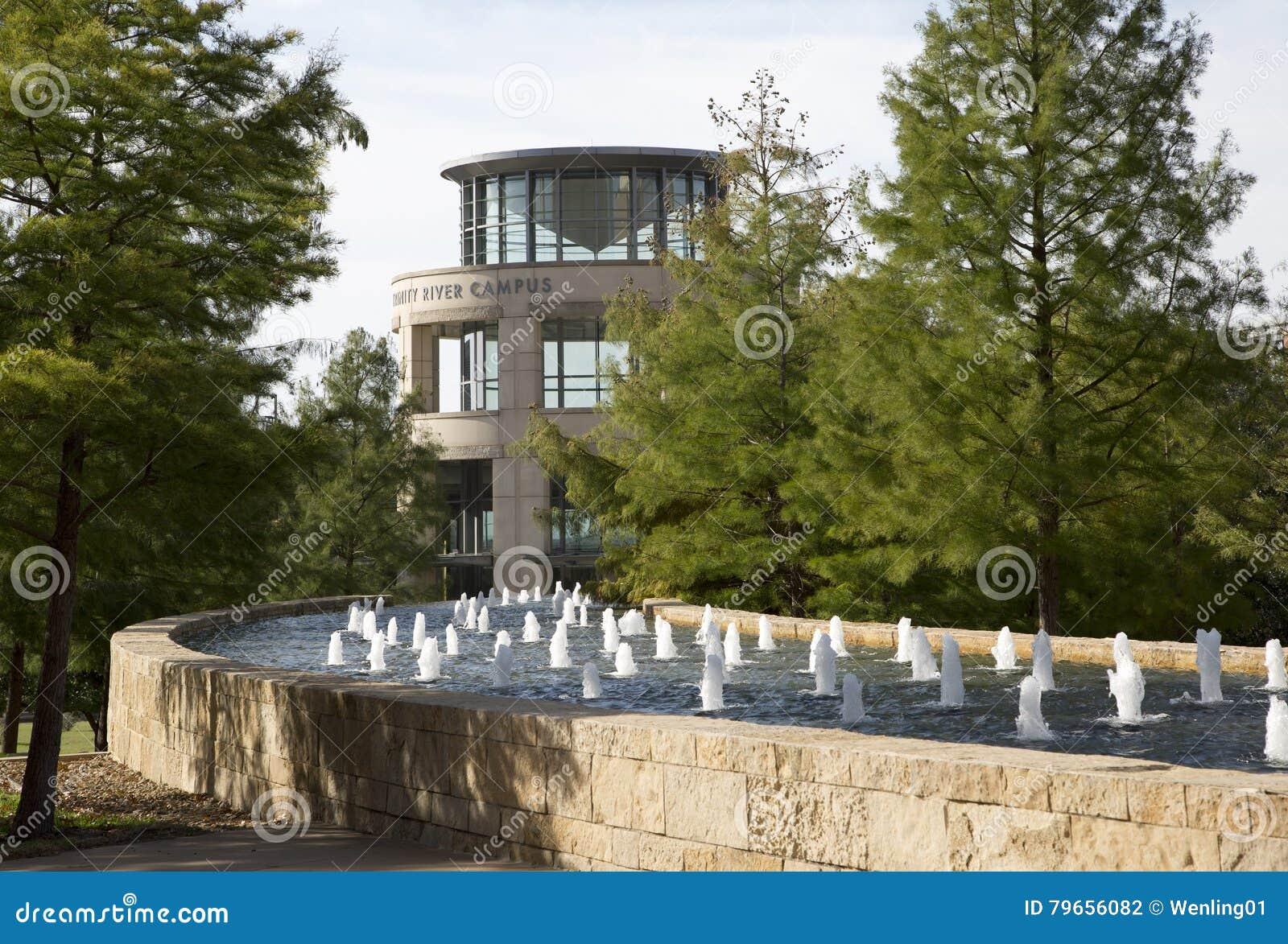 Città universitaria piacevole dell istituto universitario della contea di Tarrant