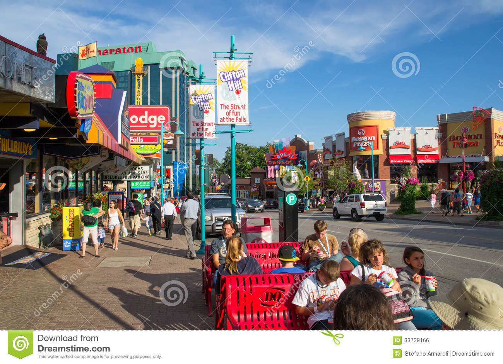 City Of Niagara Editorial Photo Image Of Tourist People 33739166