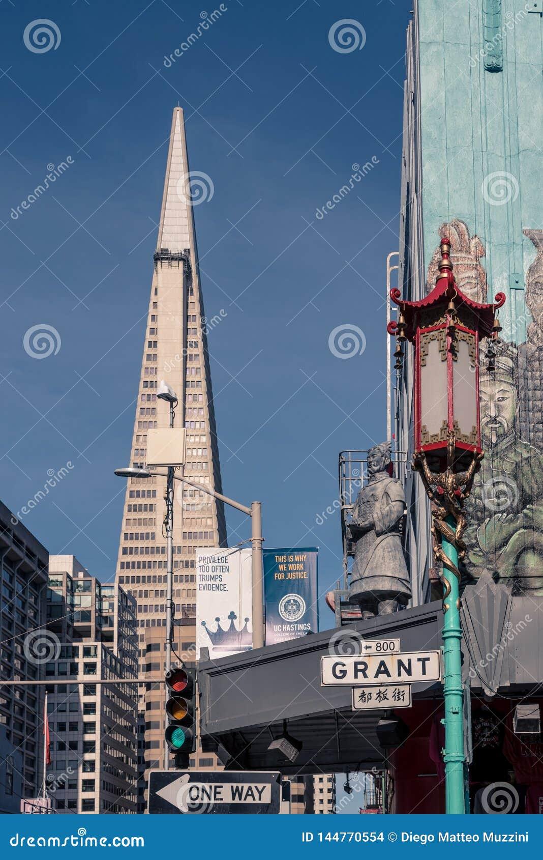 Cityscape av San Francisco fr?n chinatonw