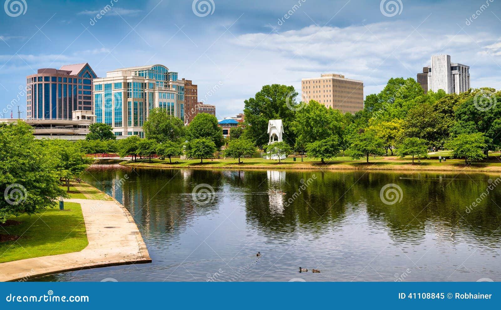 Cityscape scène van Huntsville van de binnenstad, Alabama