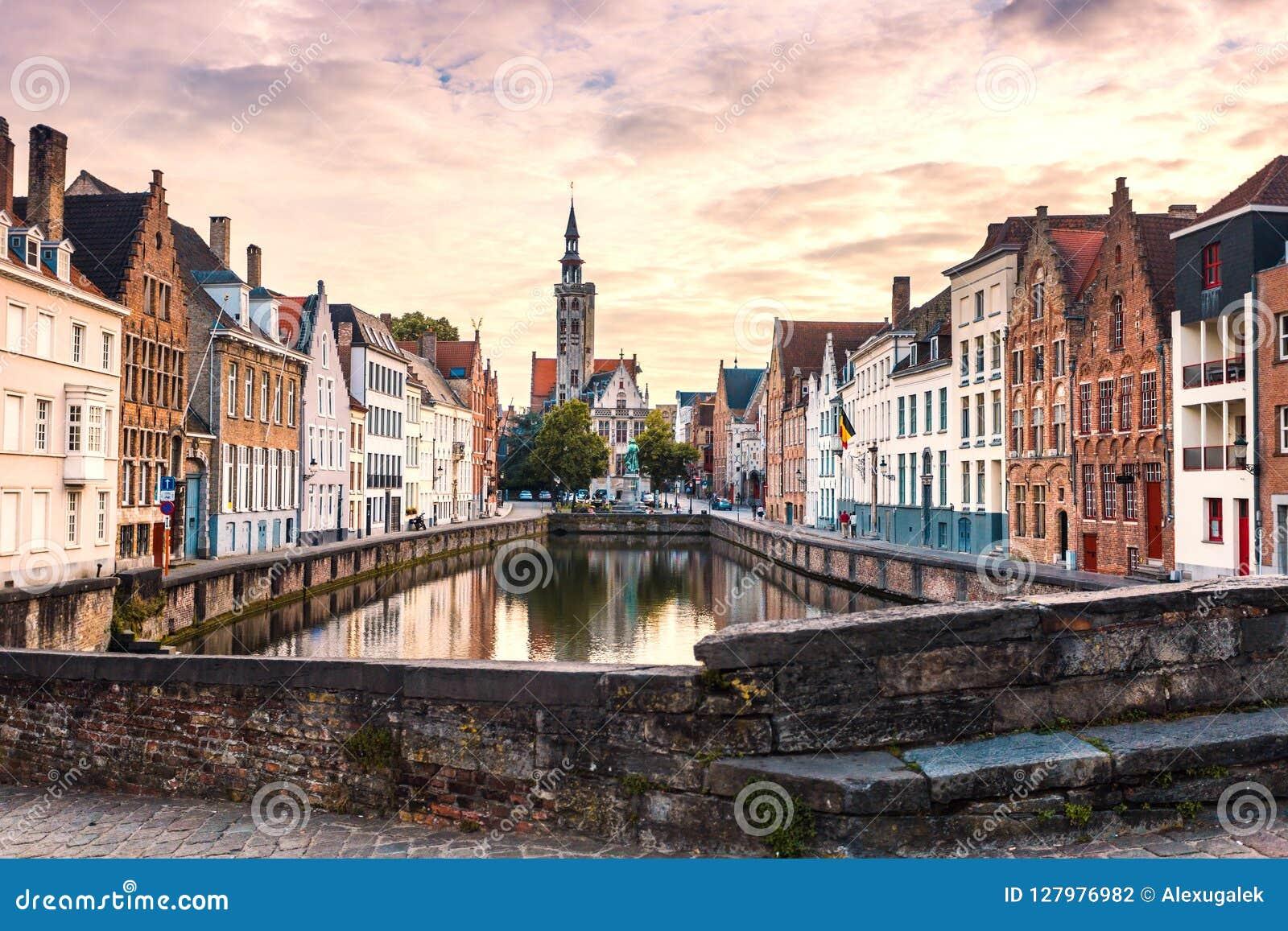 Cityscape van Brugge Oude de stads beroemde bestemming van Brugge in Europa