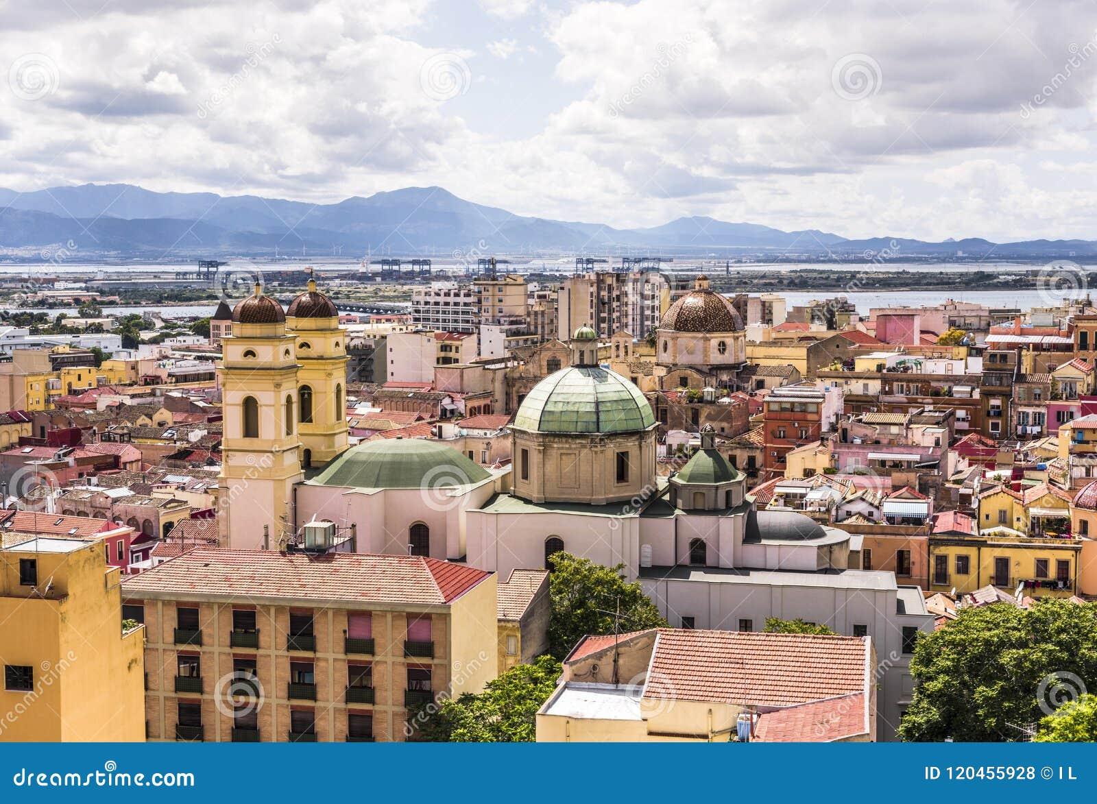 Cityscape van Cagliari, hoofdstad van Sardinige, Italië