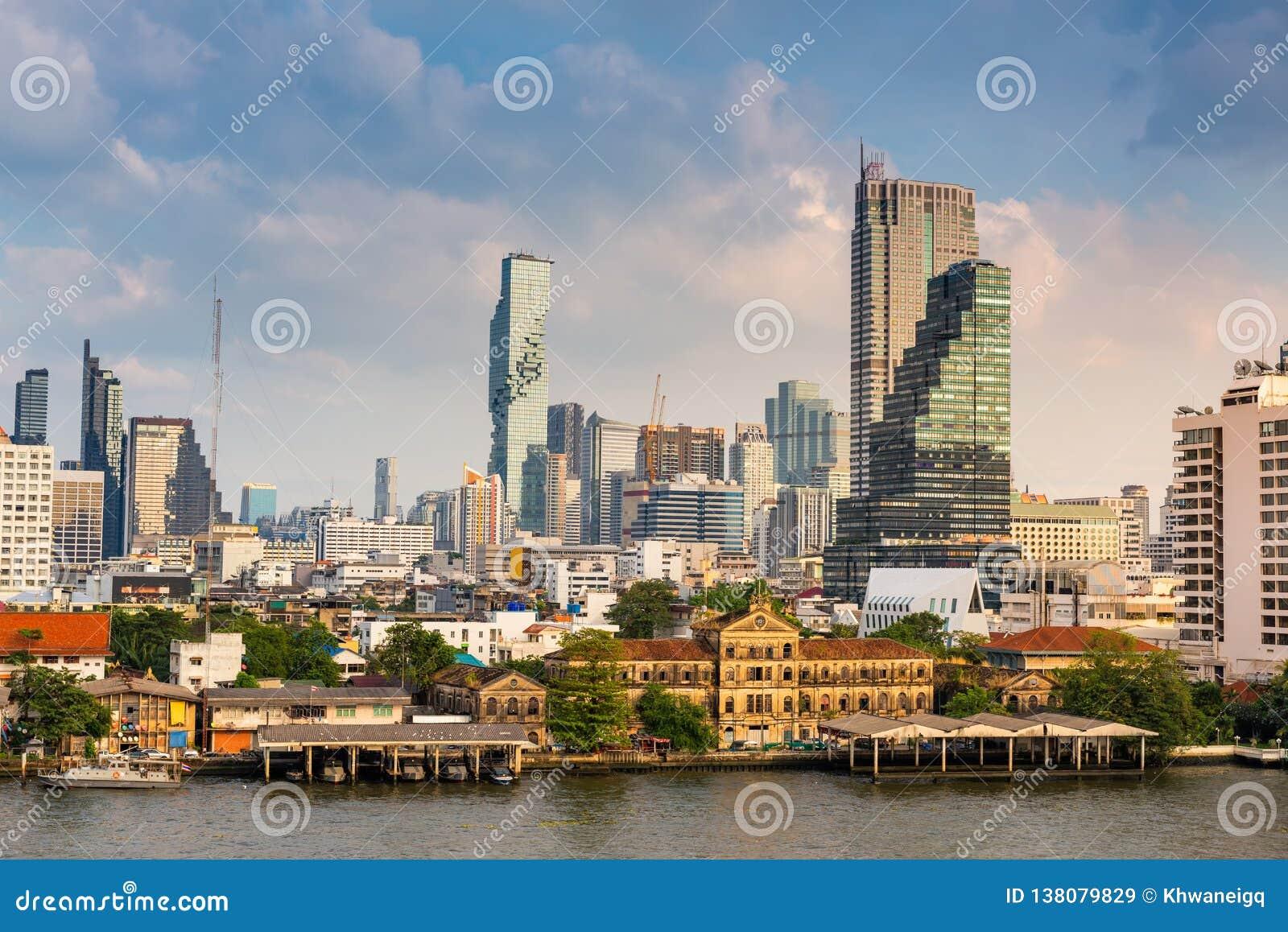 Cityscape van de stad van Bangkok en wolkenkrabbersgebouwen van Thailand , Landschap van zaken en financieel centrum van Thailand