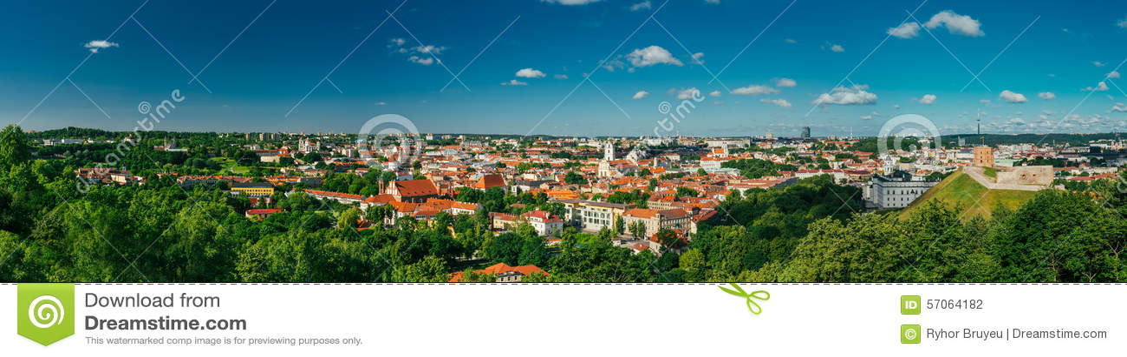 Cityscape van de zonsondergangzonsopgang van Vilnius, Litouwen binnen