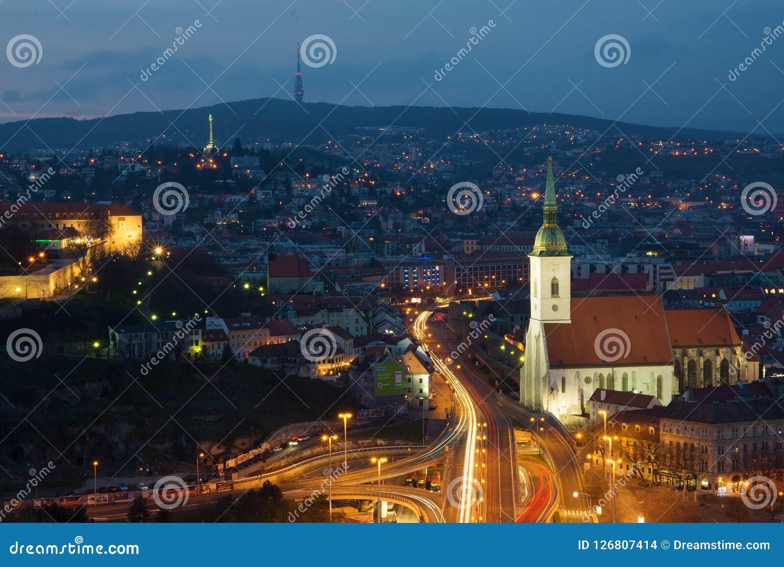 Ciudad de Bratislava - visión desde el puente