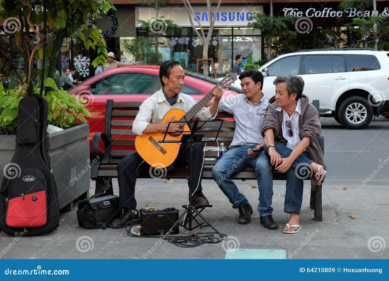 Ciudad de Ho Chi Minh, Vietnam, guitarra, calle
