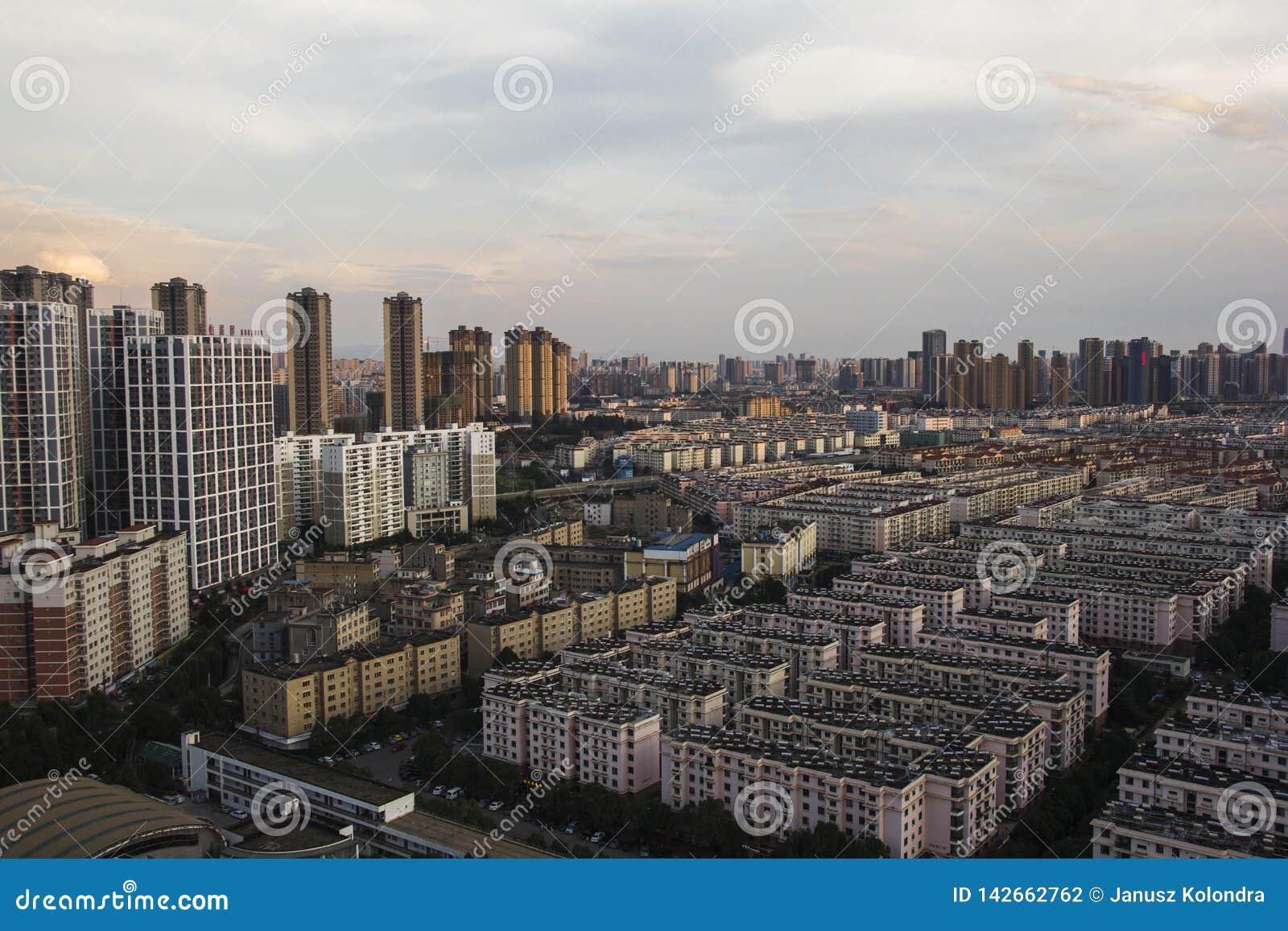 Ciudad de Kunming, capital de la provincia de Yunnan en China
