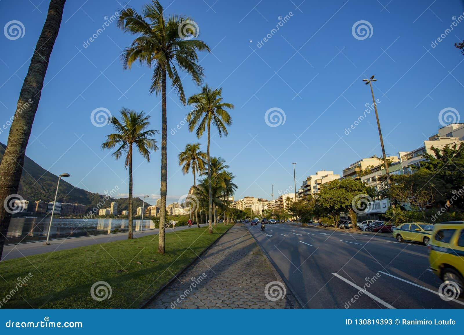 Ciudad de la laguna de Rio de Janeiro, del Brasil, de la avenida de Epitacio Pessoa y de Rodrigo de Freitas