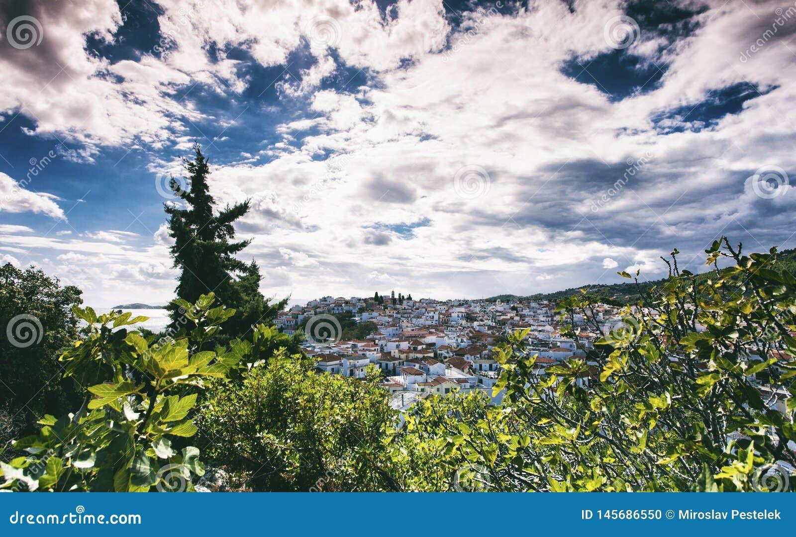 Ciudad de Skiathos en Grecia