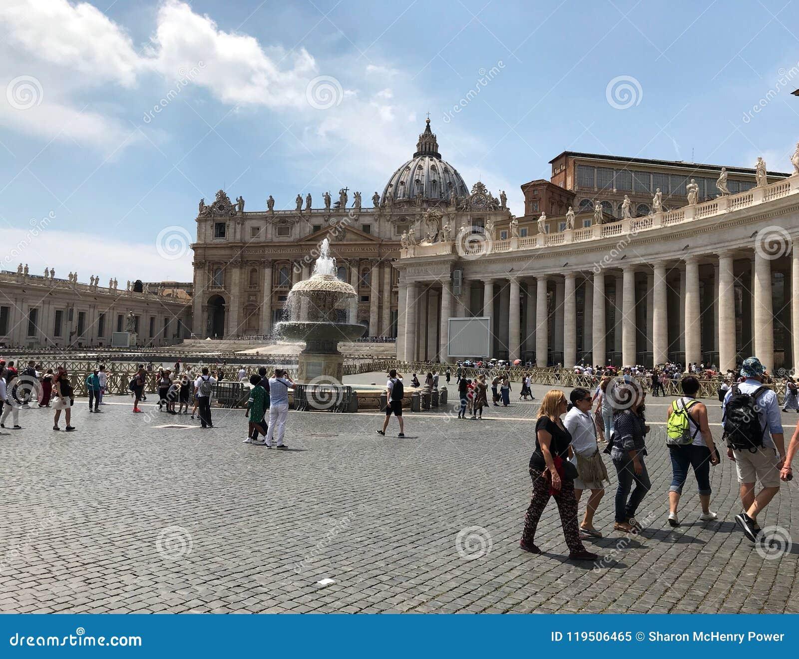 Ciudad del Vaticano en Roma Italia